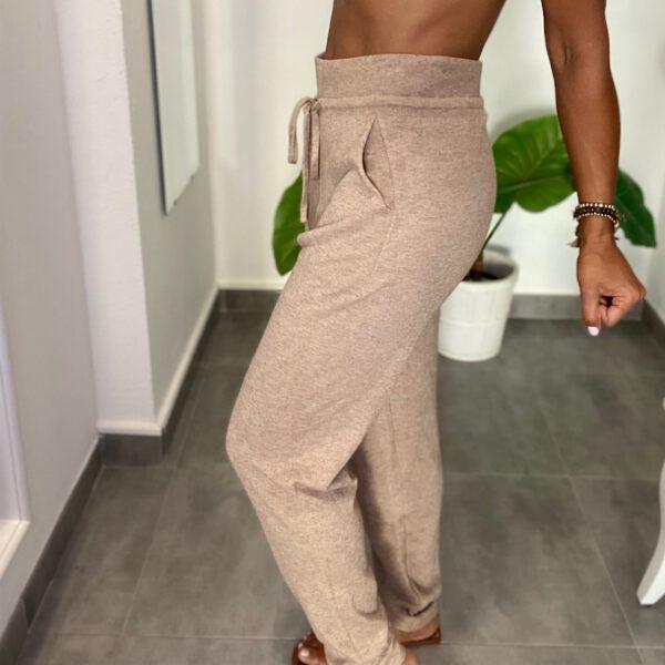 Pantalón Jogger Punto 4